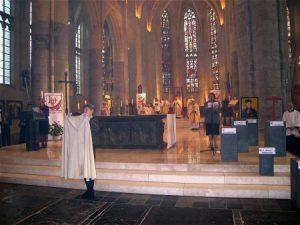 koormantel-in-kathedraal-21