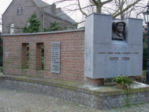monument-voor-kerk